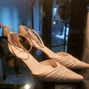 ALDO leather pointy toe heels w ankle strap
